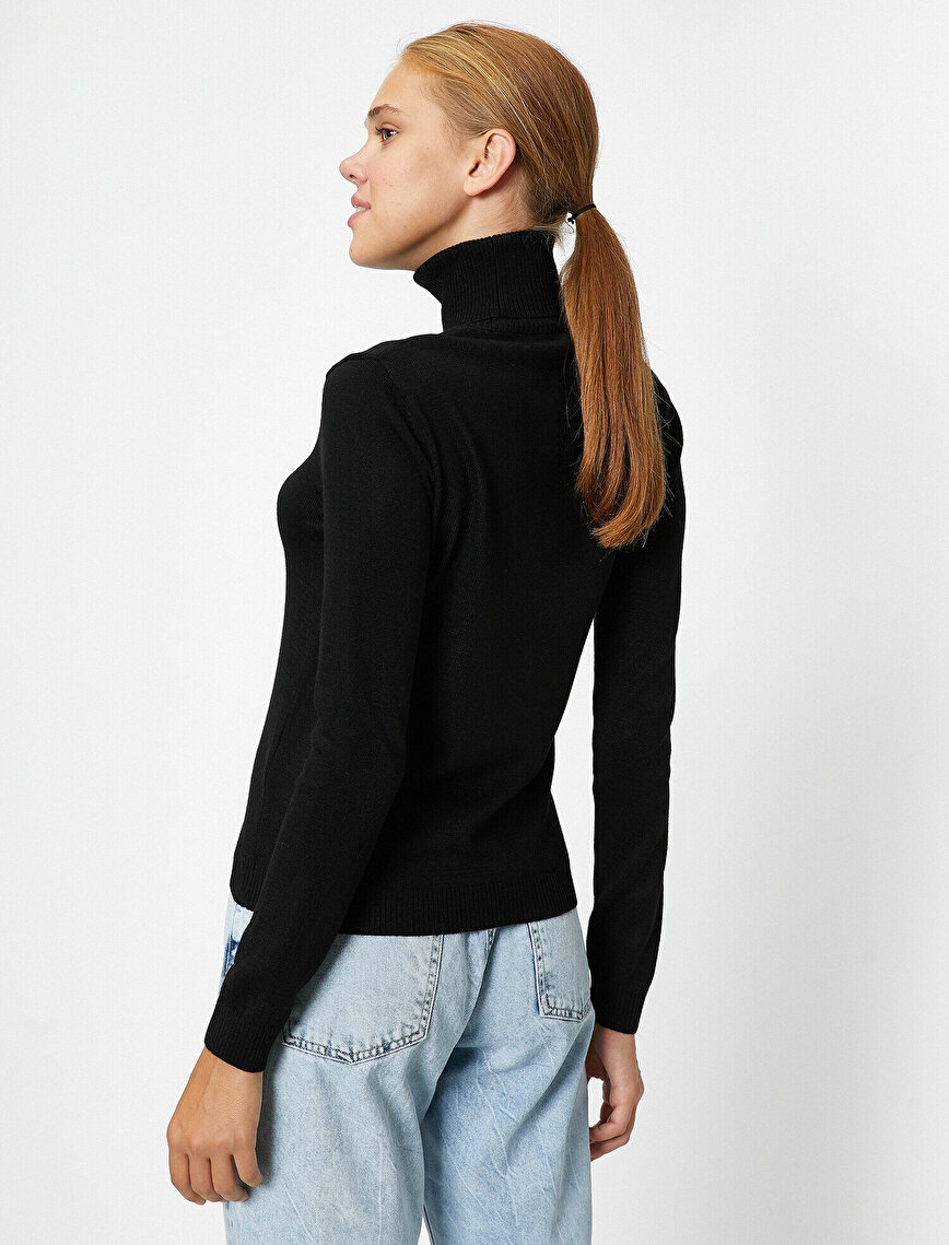 Long Sleeve Turtle Neck Embroidered Sweater