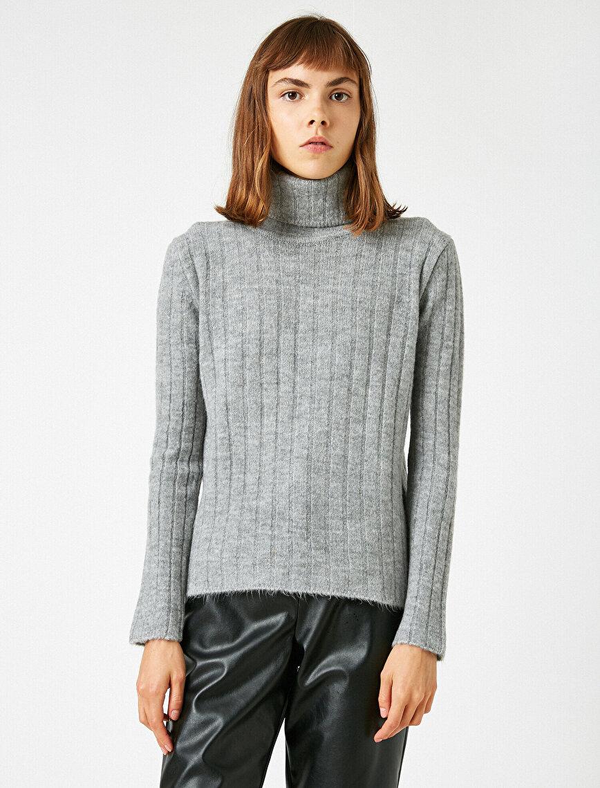 Turtle Neck Oversize Sweater