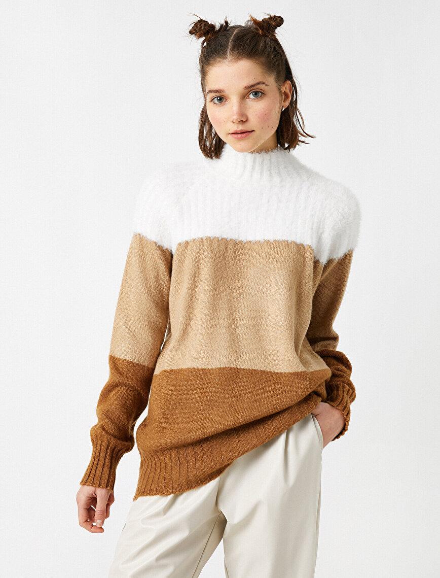 Turtle Neck Color Block Sweater