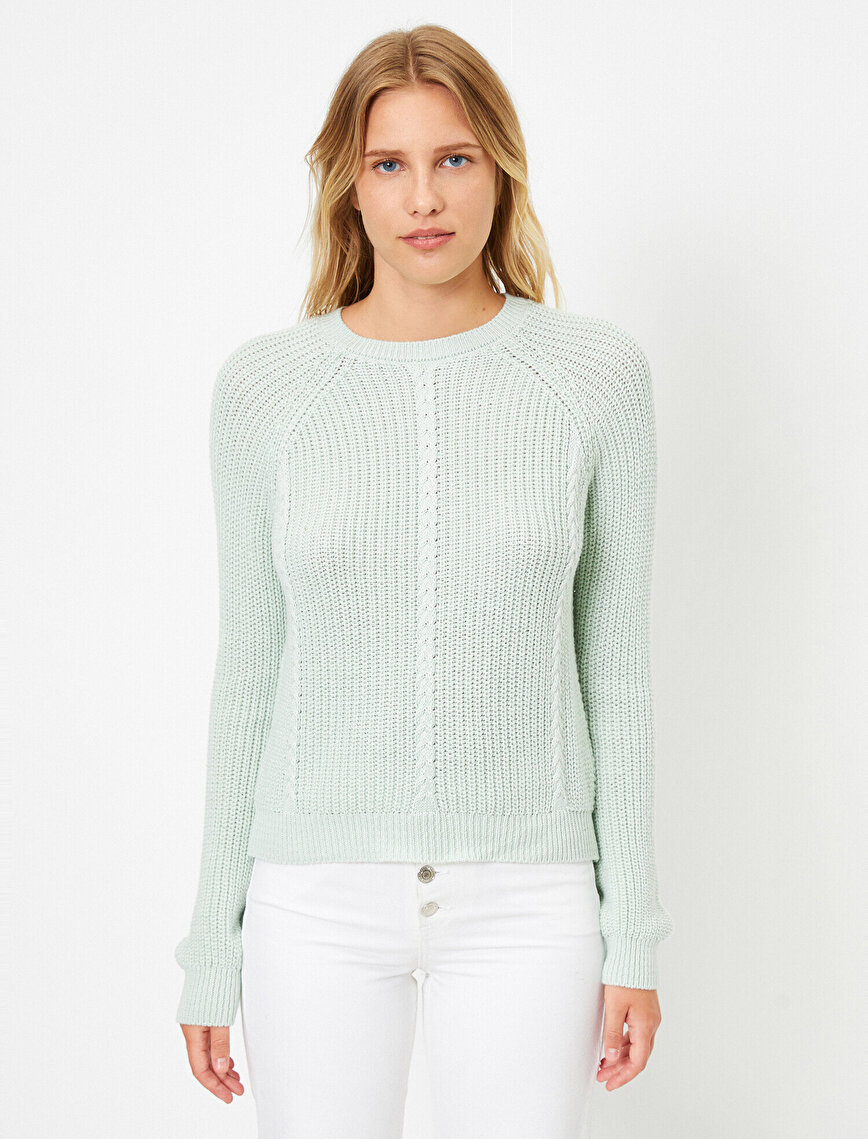 Crew Neck Cable Knitted Sweater
