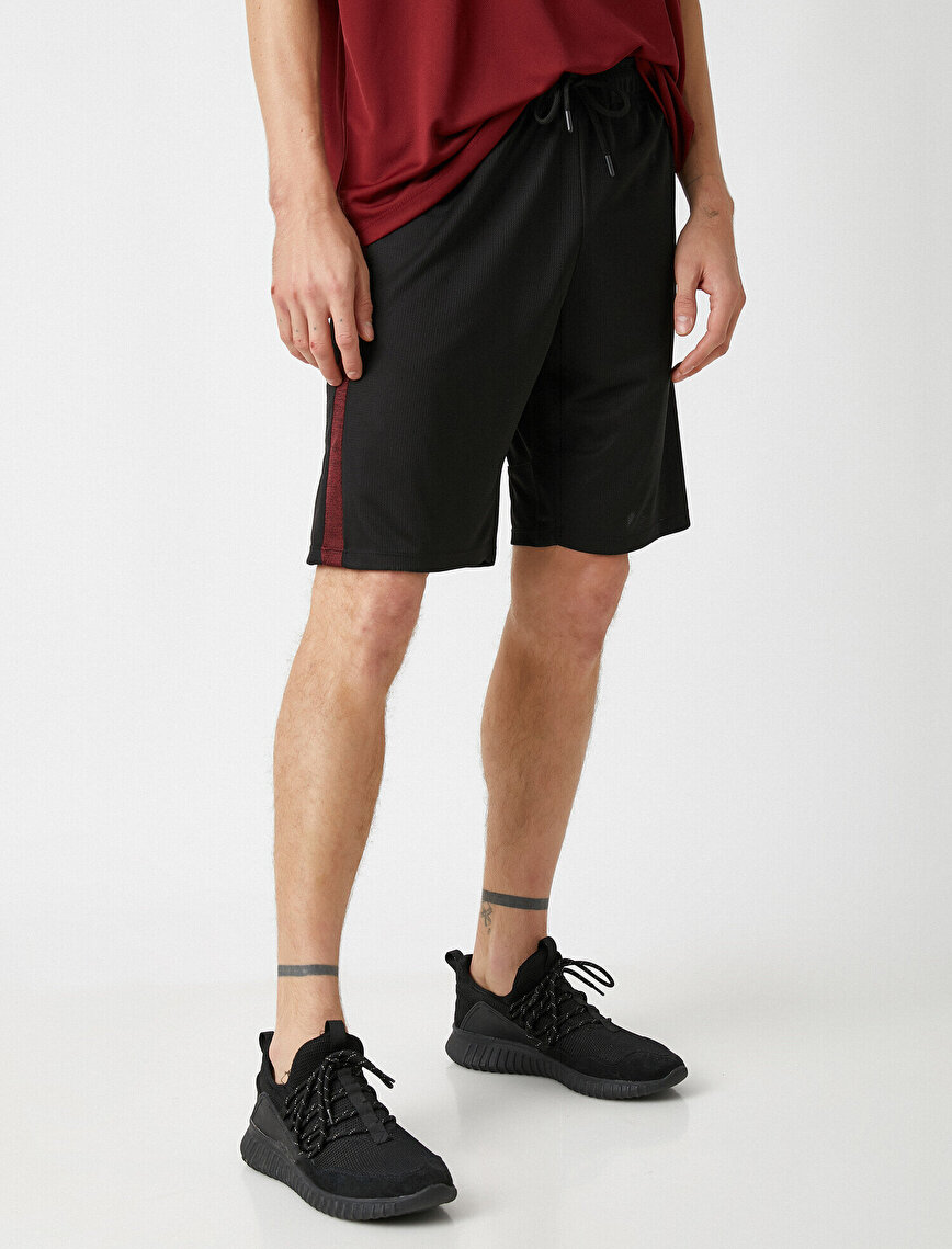 Striped Relaxed Fit Double Pocket Shorts