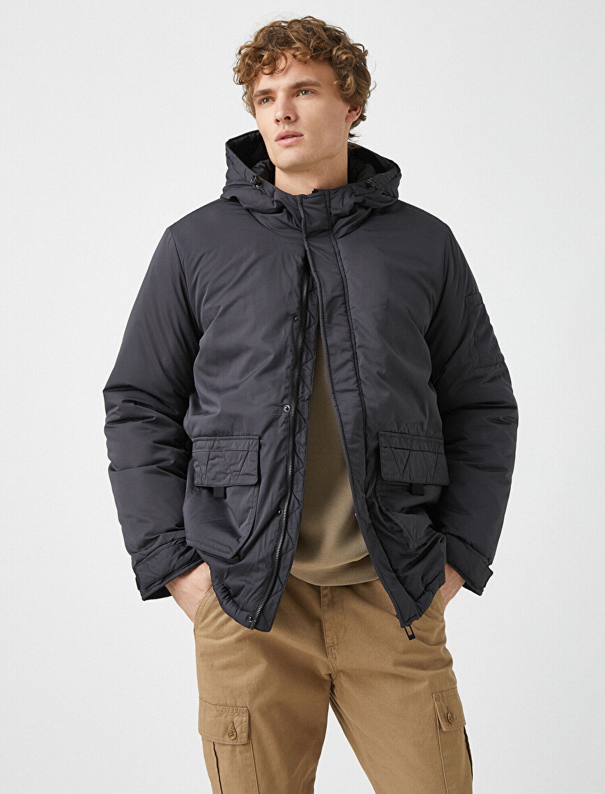 Stand Neck Hooded Pocket Zipper Detailed Coat