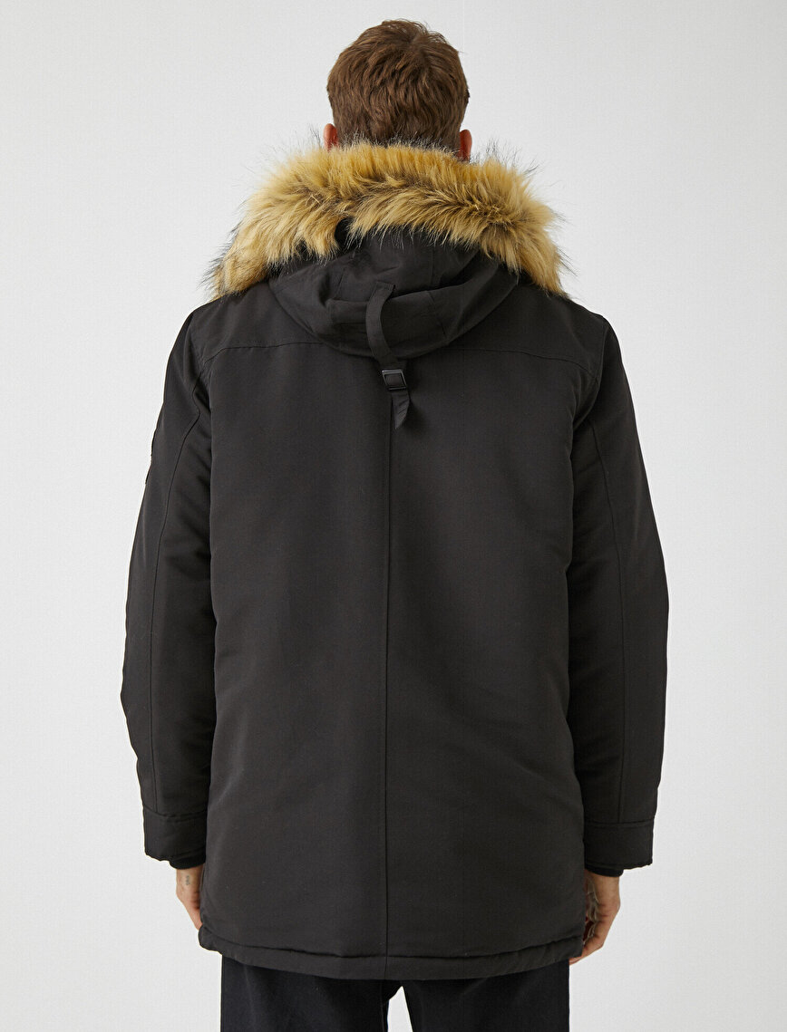 Faux Fur Hooded Pocket Detailed Inner Polar Coat