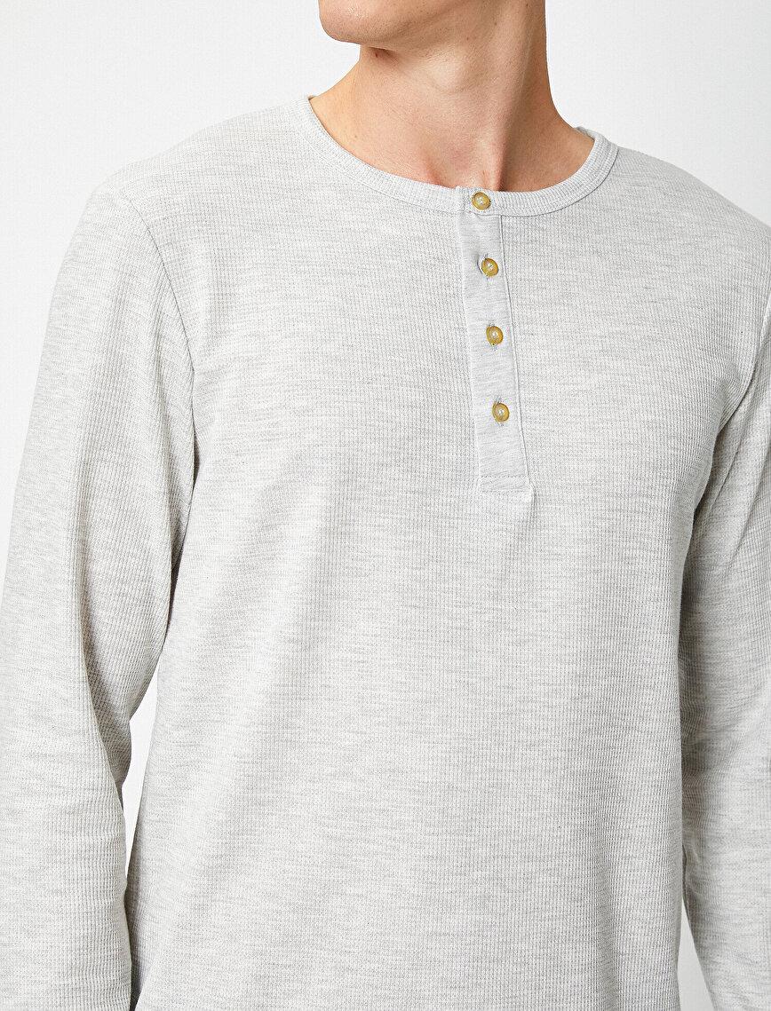 Düğme Yakalı Uzun Kollu Tişört