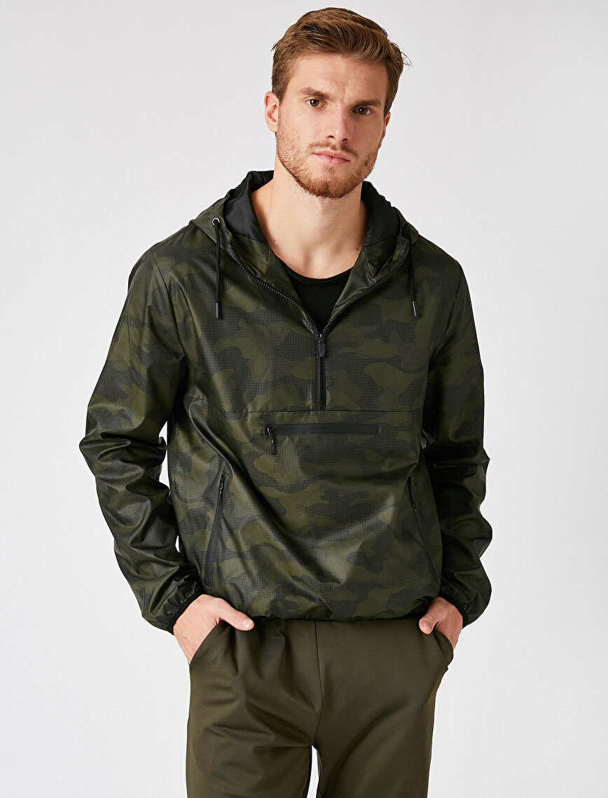 Camouflage Patterned Hooded Zipper Detailed Coat