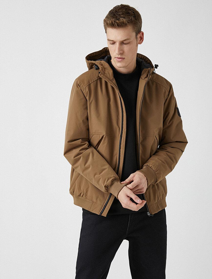 Hooded Stand Neck Zipper Detailed Pocket Detailed Coat