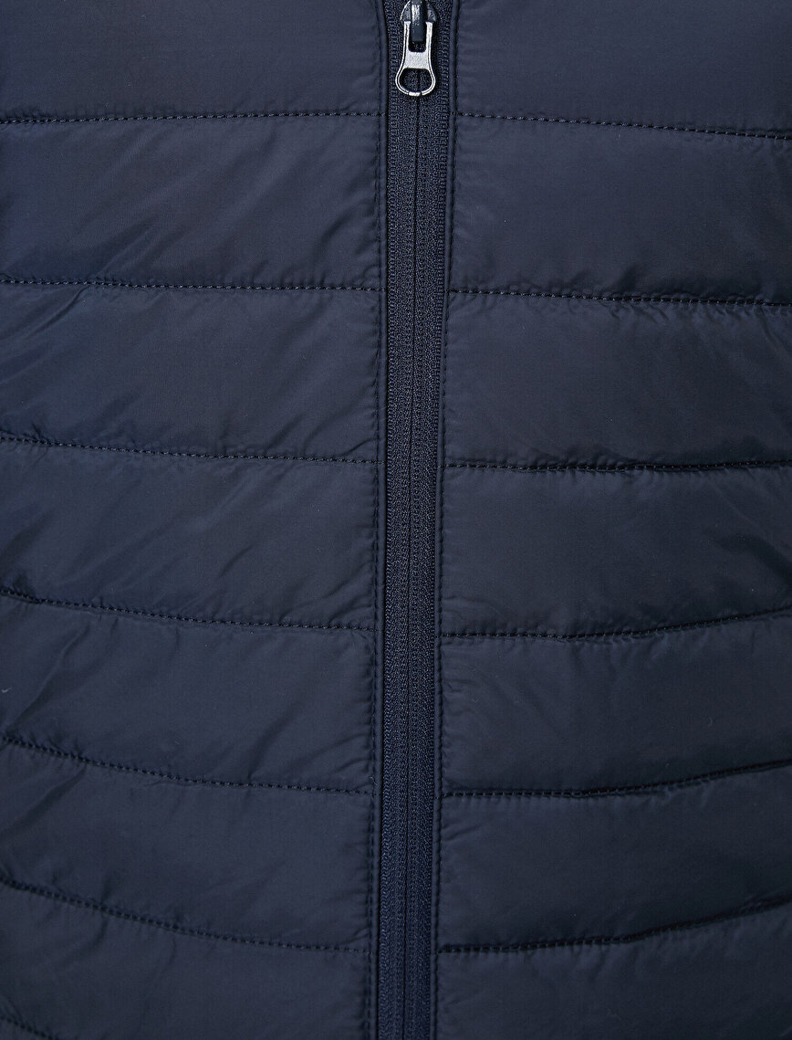 Zipper Pocket Detailed Vest