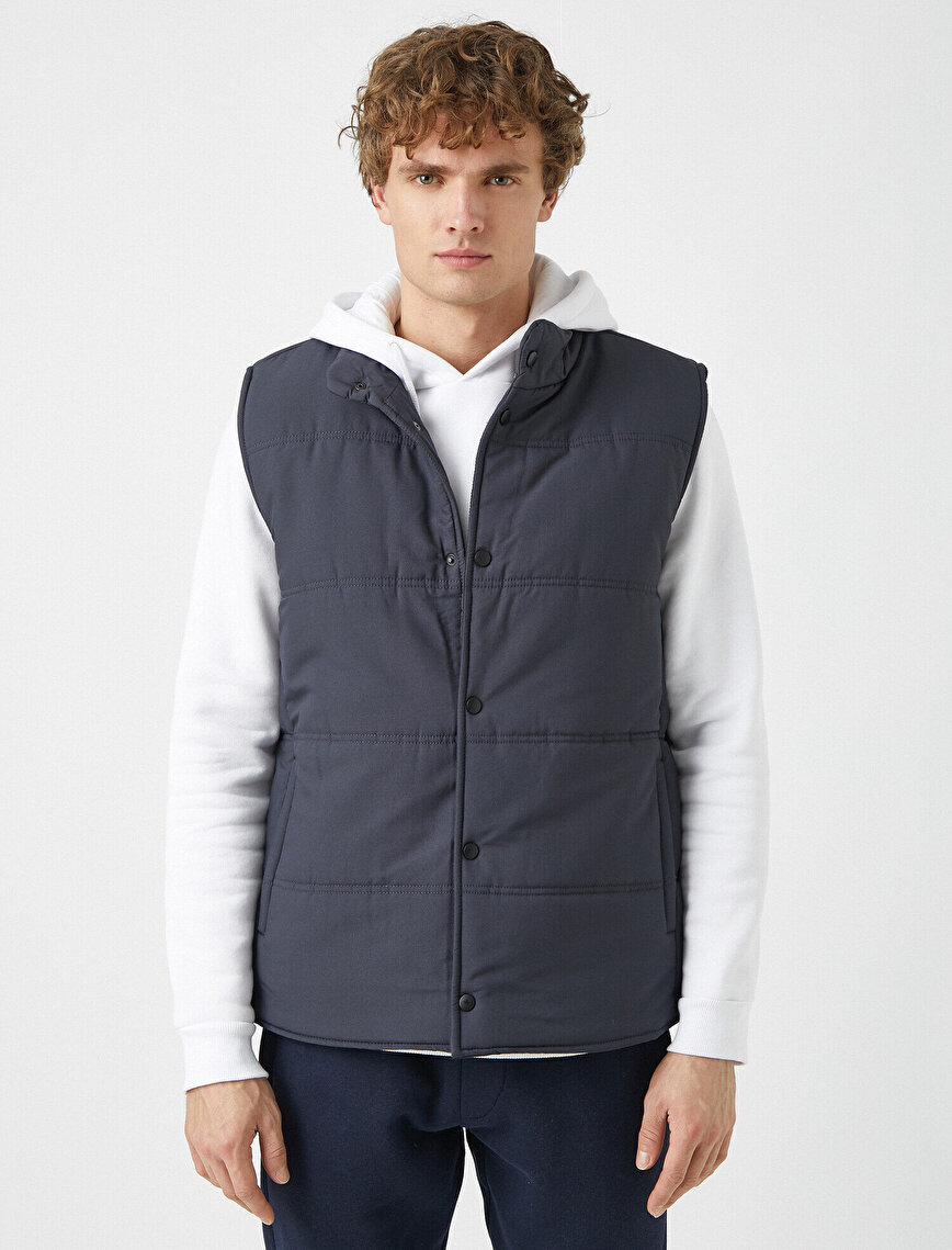 Stand Neck Button Detailed Pocket Detailed Thick Vest