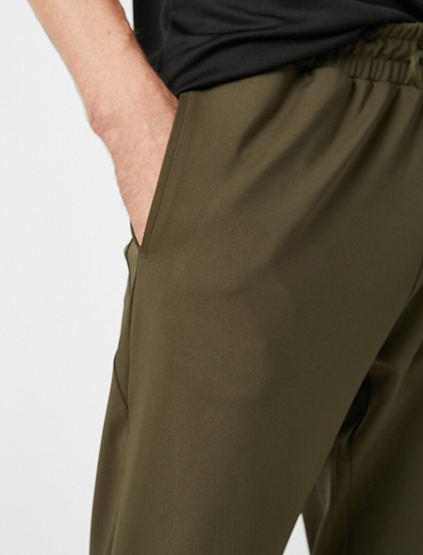 Straight Fit Double Pocket Jogging Pants