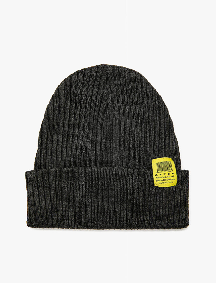 Slogan Detailed Beanie