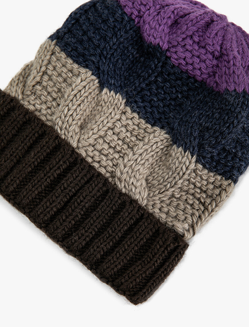 Cable Knitted Color Block Beanie