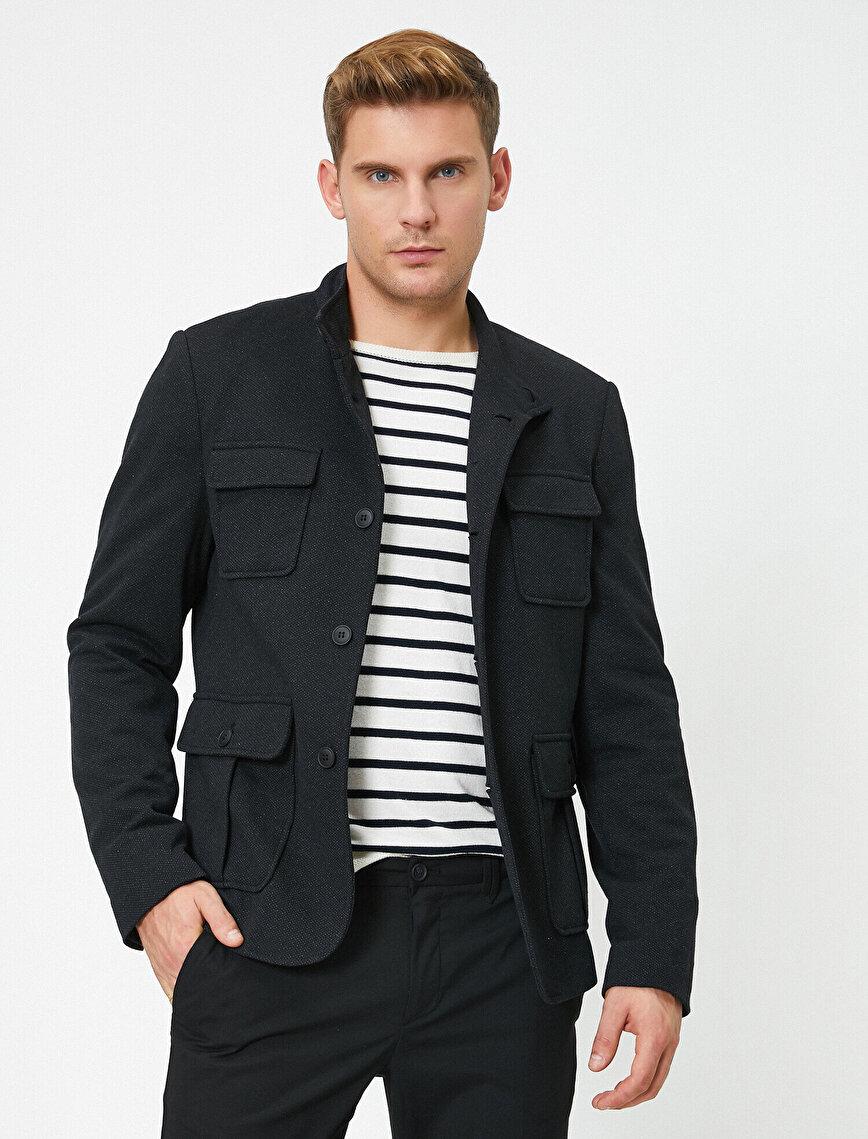 Pocket Detailed Buttoned Jacket