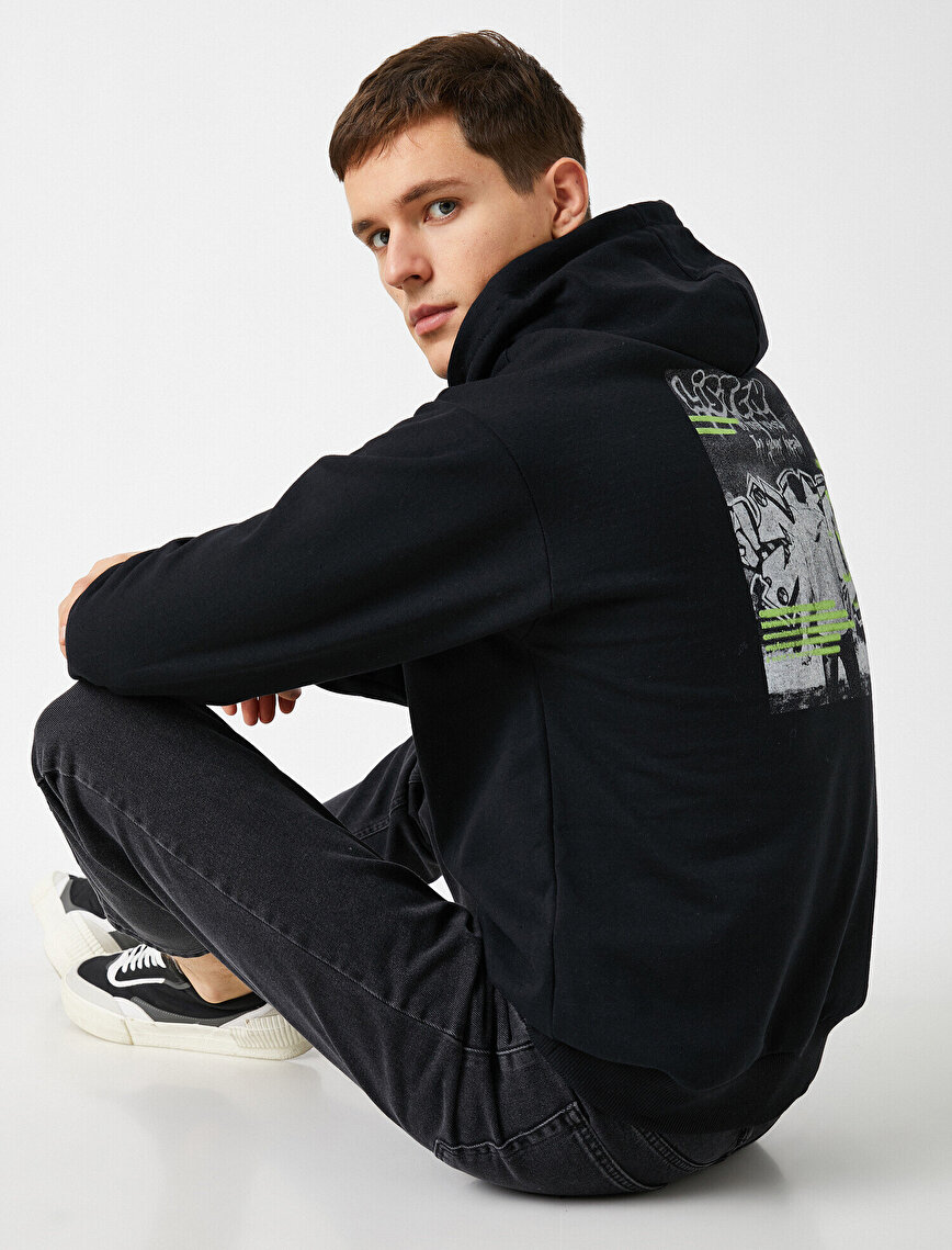 Hooded Printed Long Sleeve Sweatshirt