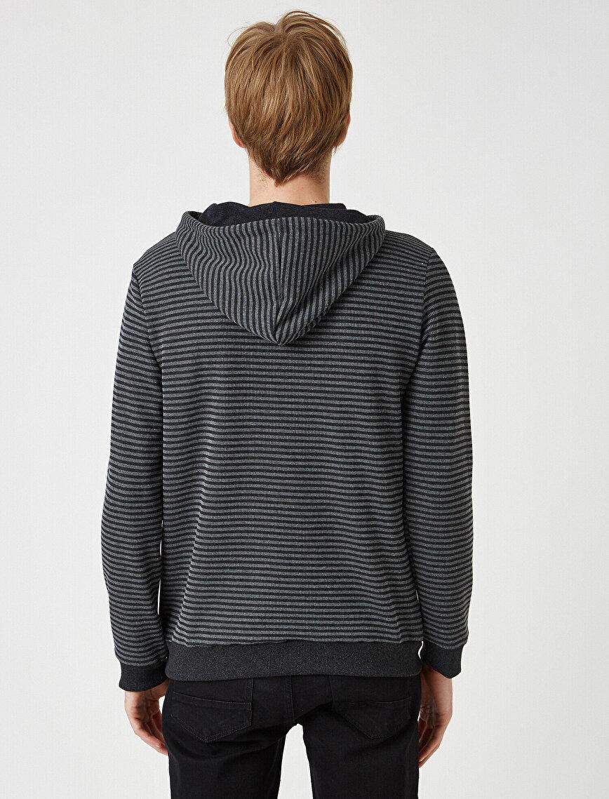 Çizgili Kapüşonlu Uzun Kollu Sweatshirt