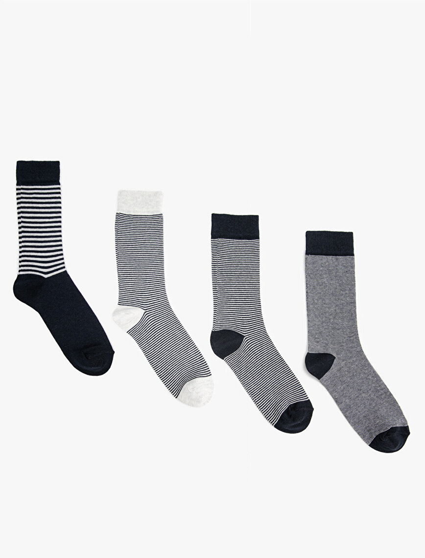 Man 4 Pieces Socks Set