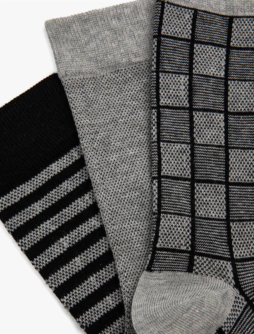 Man 3 Pieces Striped Pattermed Socks Set