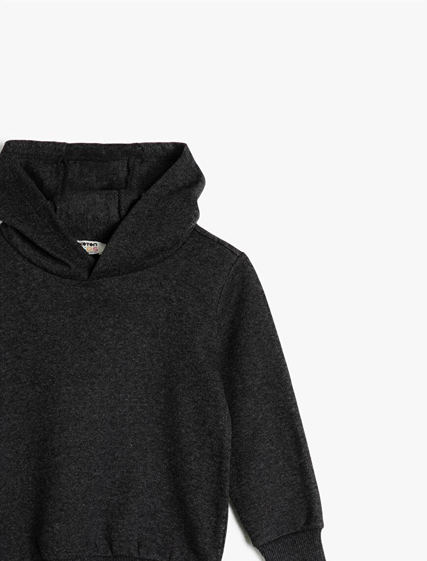 Hooded Basic Long Sleeve Sweatshirt