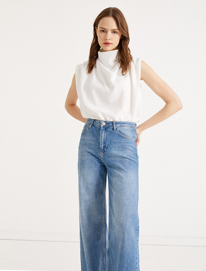 Drape Blouse Short Sleeve Turtle Neck