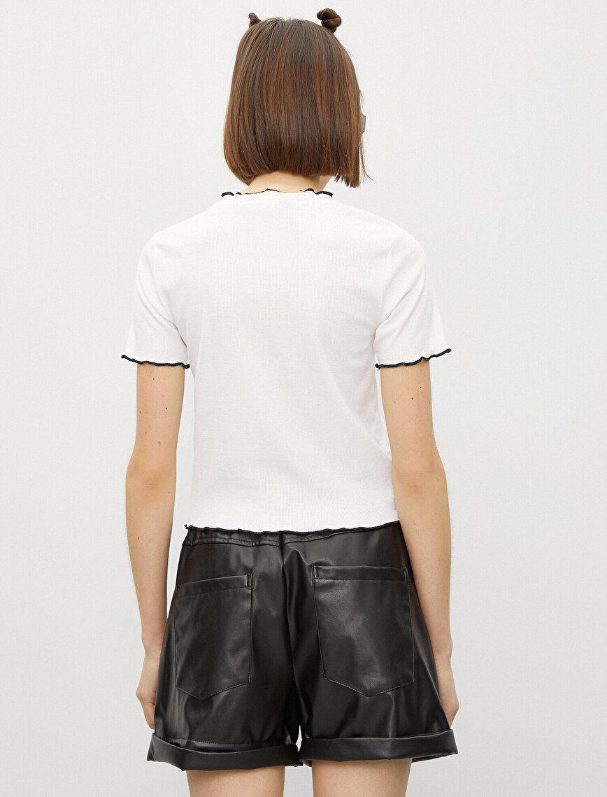 Şerit Detaylı Kısa Kollu Tişört
