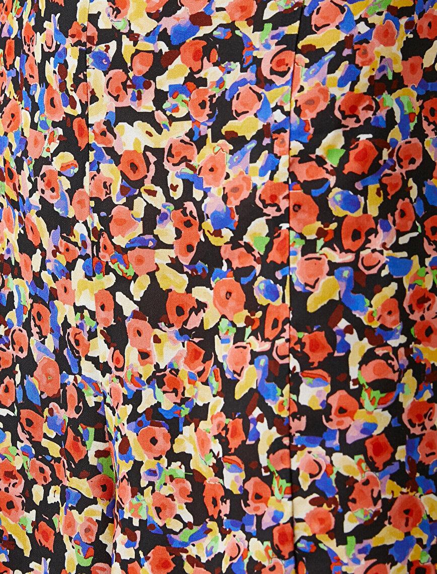 Çiçek Desenli Elbise Askılı Önü Büzgülü Sırtı Bağlama Detaylı Dekolteli