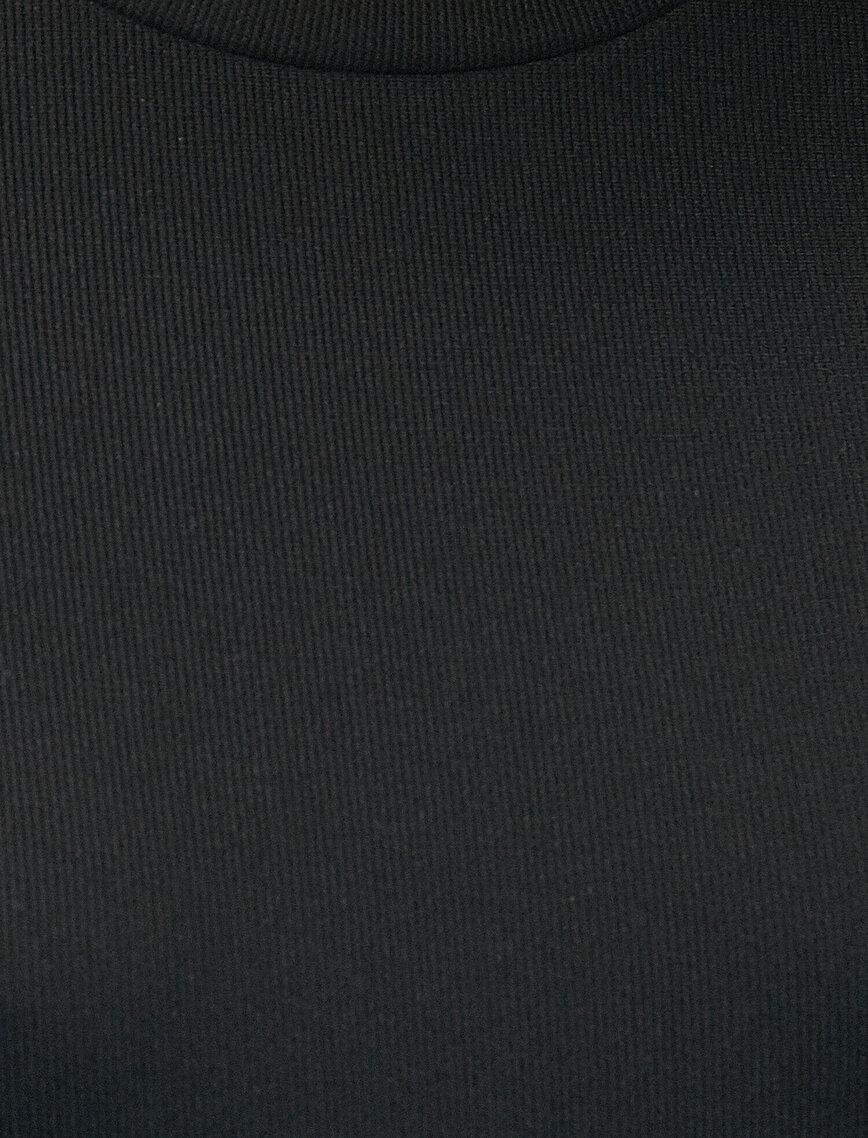 Uzun Kollu Pencere Detaylı Kısa Elbise
