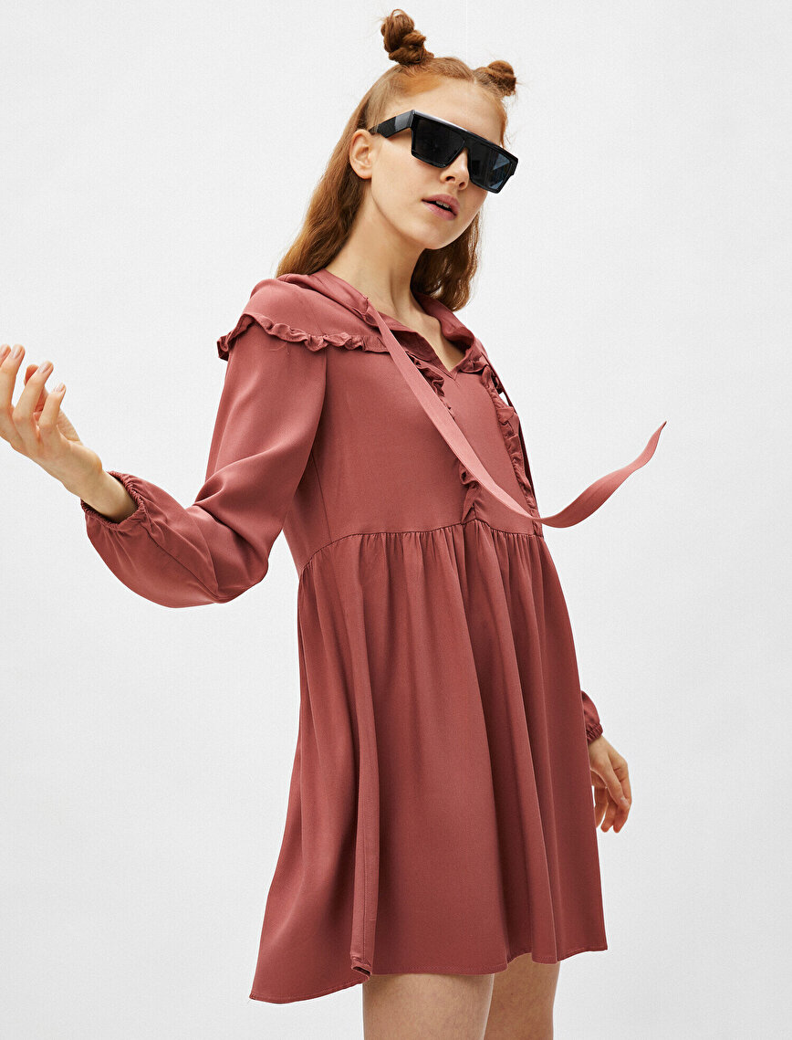Uzun Kollu Fırfır Detaylı Elbise