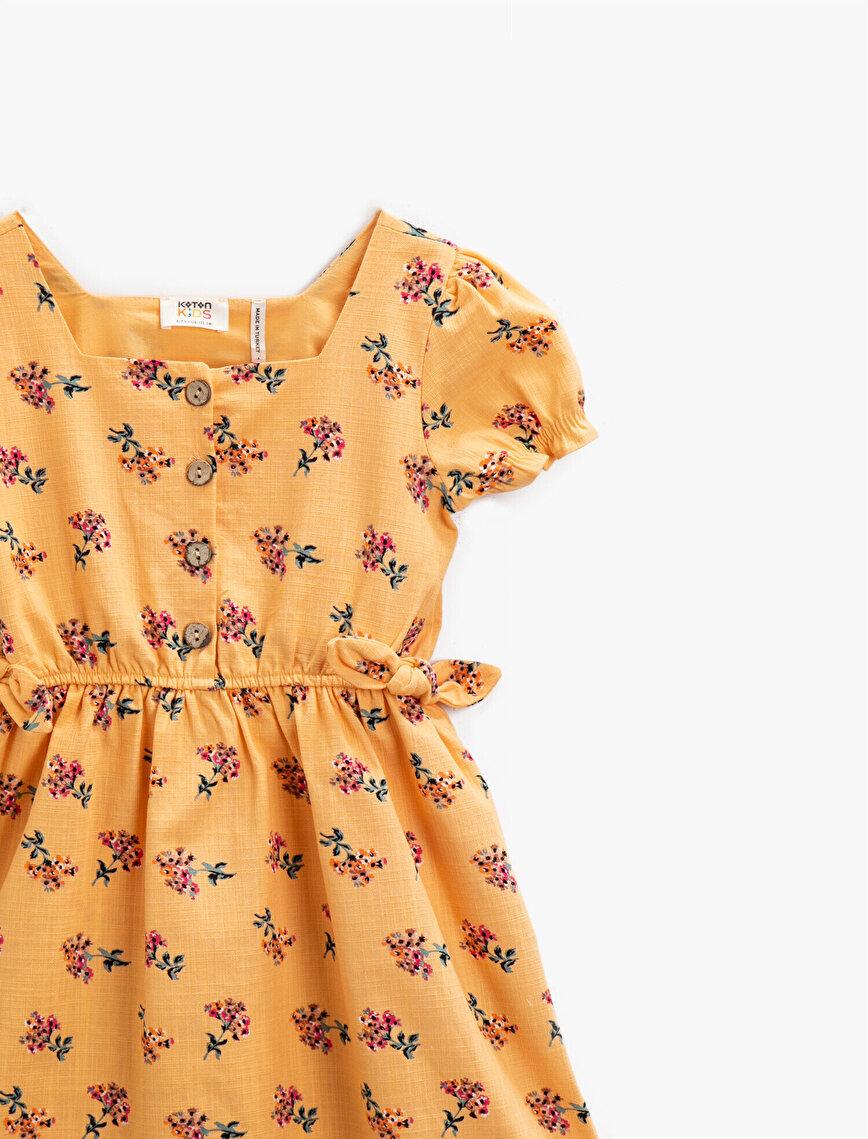 Çiçekli Elbise Bağlama Detaylı Kare Yaka Kısa Kollu Pamuklu