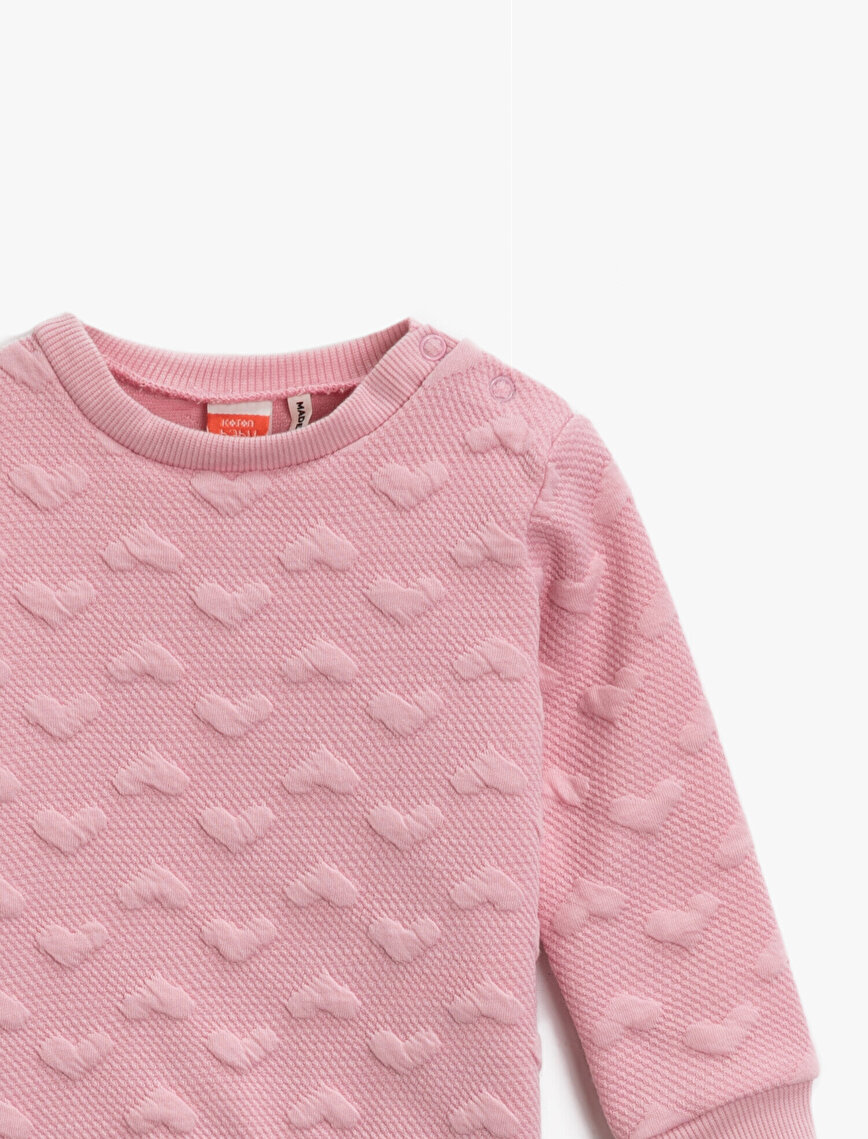 Crew Neck Heart Patterned Long Sleeve Sweatshirt