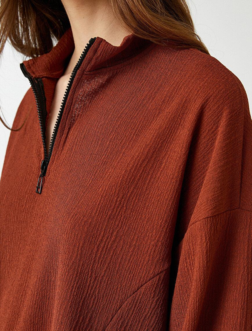 Yakası Fermuarlı Sweatshirt Dokulu