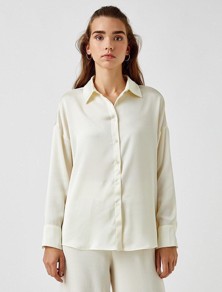 Klasik Yaka Gömlek