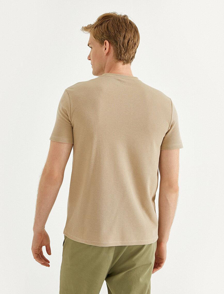 Minimal Printed T-Shirt