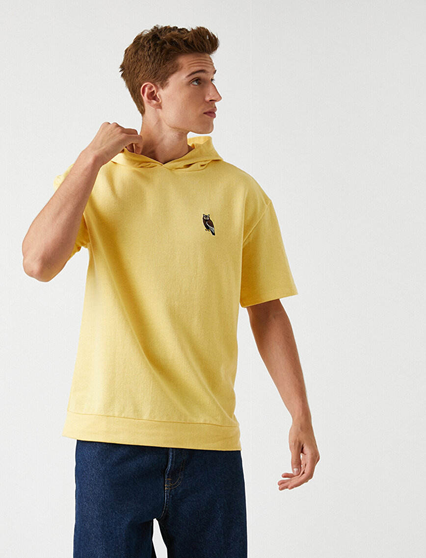 Short Sleeved Hoodie Embroidered