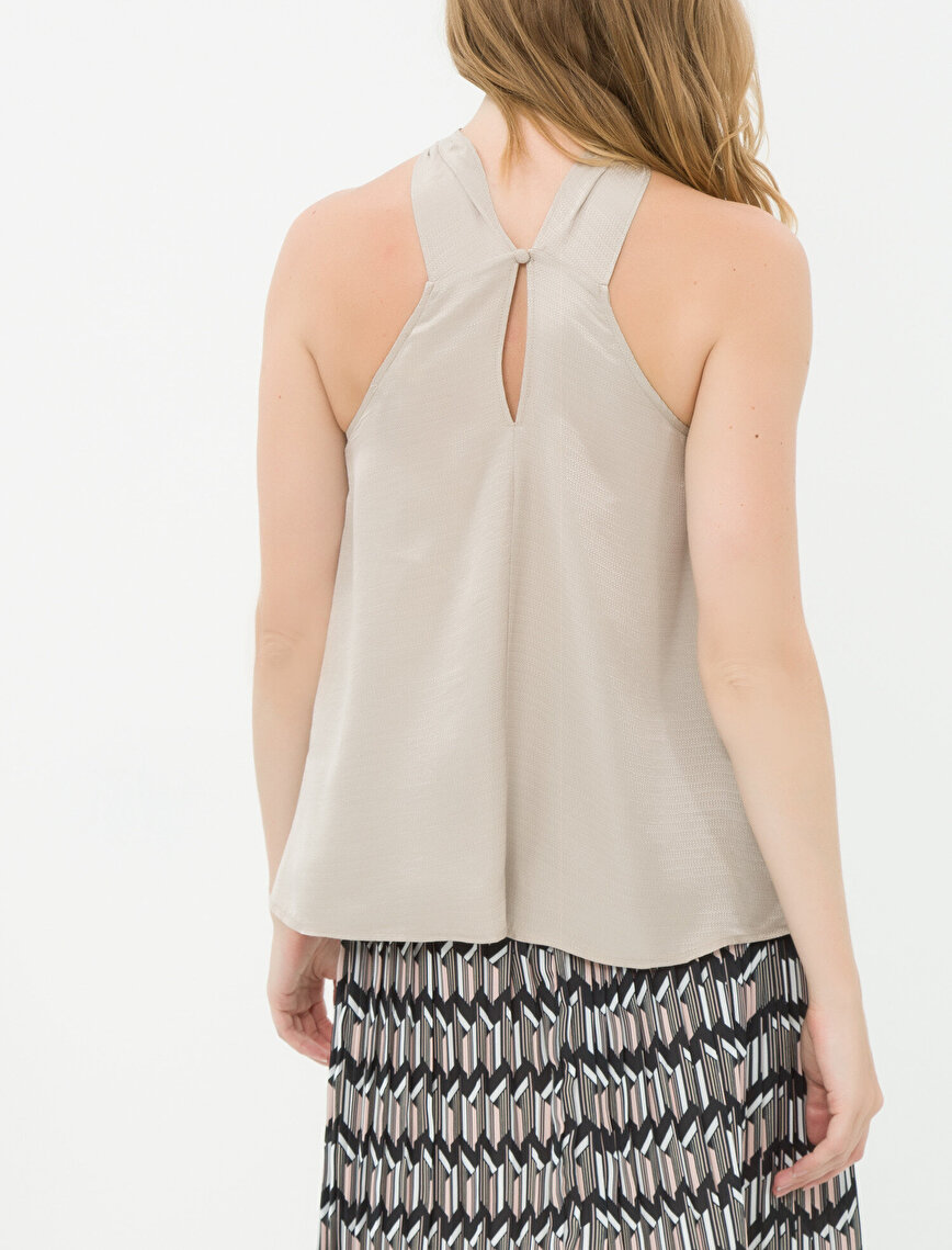 Collar Detailed Tank Top