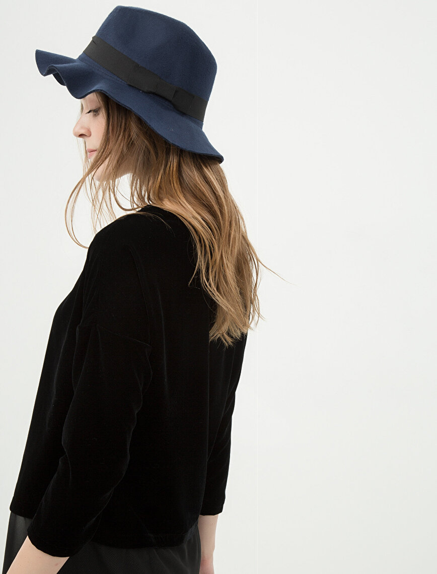 Bow Detailed Hat