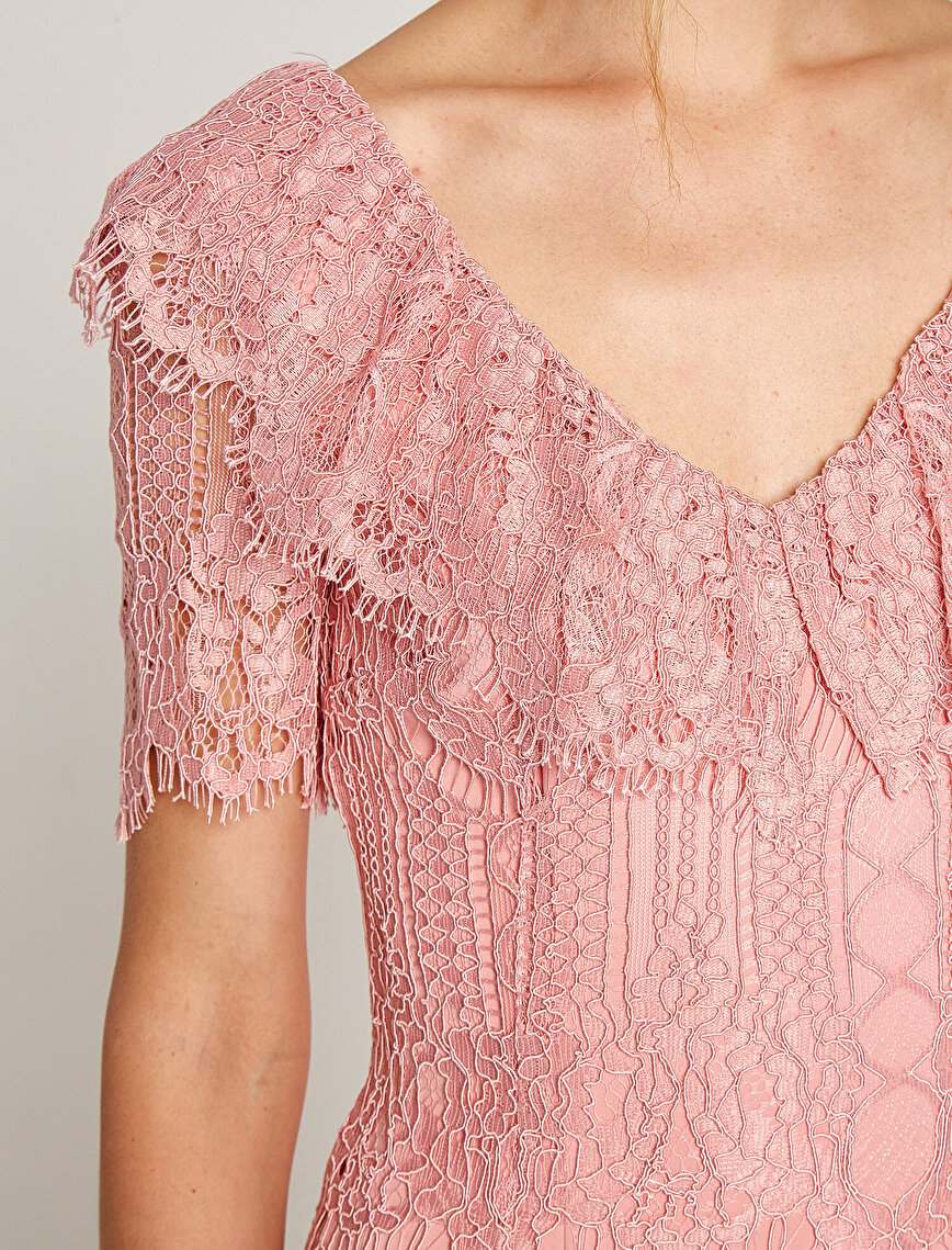 Allover Lace Detailed Dress