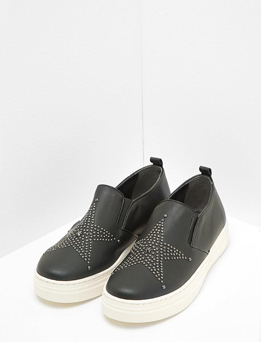 Zımba Detaylı Ayakkabı