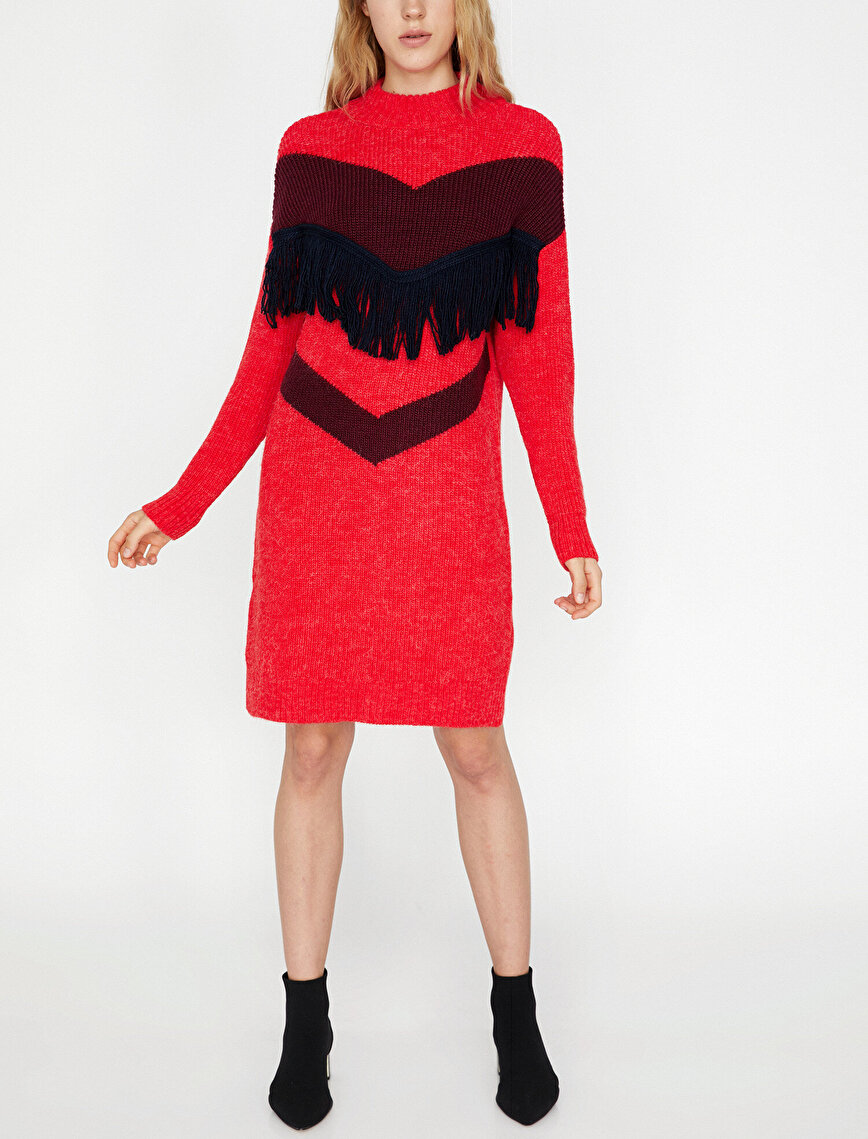 Püskül Detaylı Triko Elbise