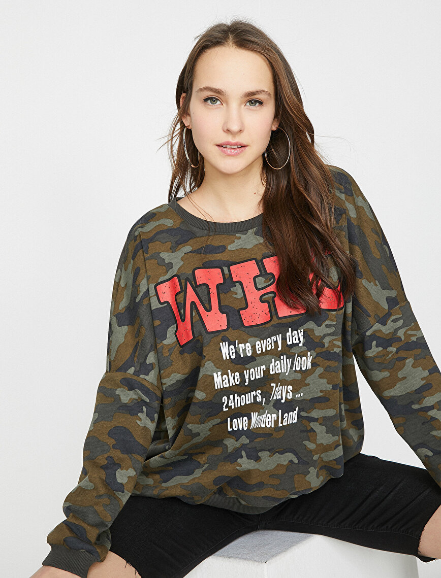 Camouflage Patterned Sweatshirt