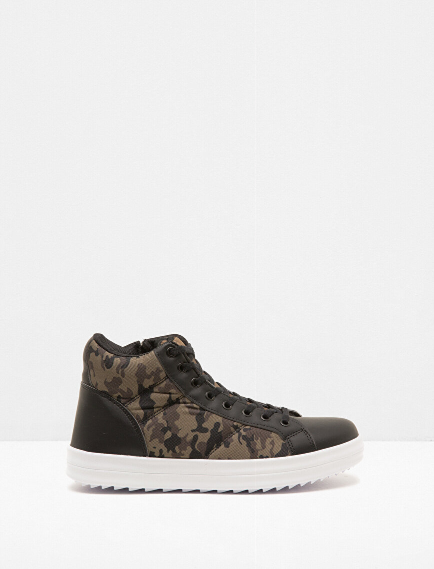 Camouflage Patterned Lace On Shoes