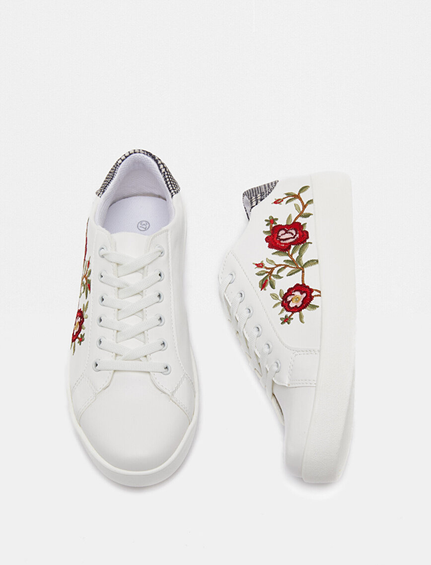 Lace On Shoes