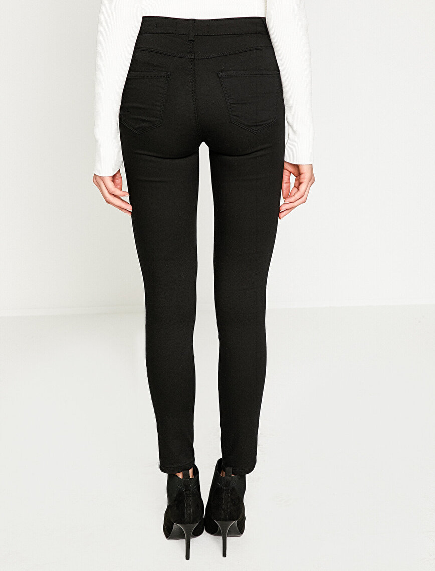 Loose Fit Detailed Trousers