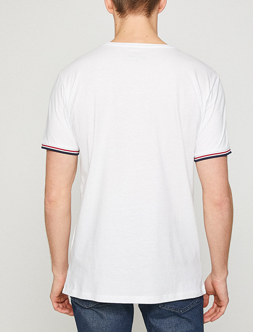 Pocket Detailed T-Shirt