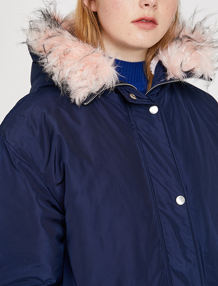 Faur Fux Detailed Parka