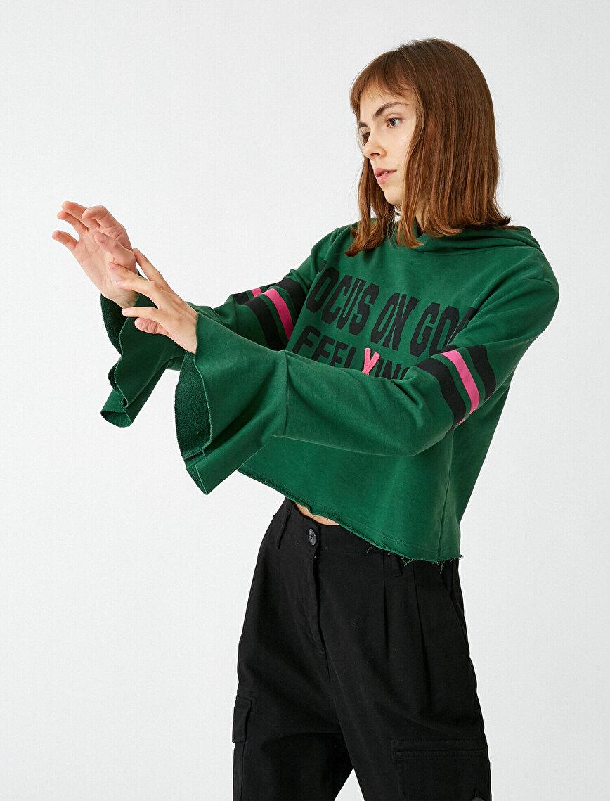 Volanlı Crop Yazılı Baskılı Sweatshirt