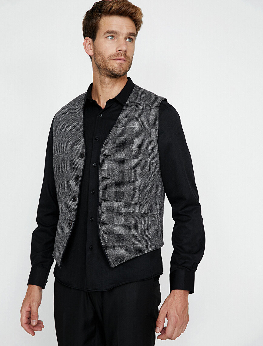 Button Detailed Vest