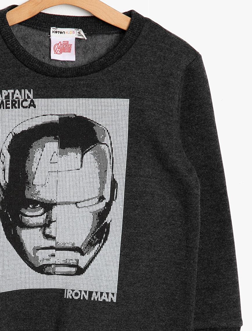 Captain America Licensed Printed Sweatshirt