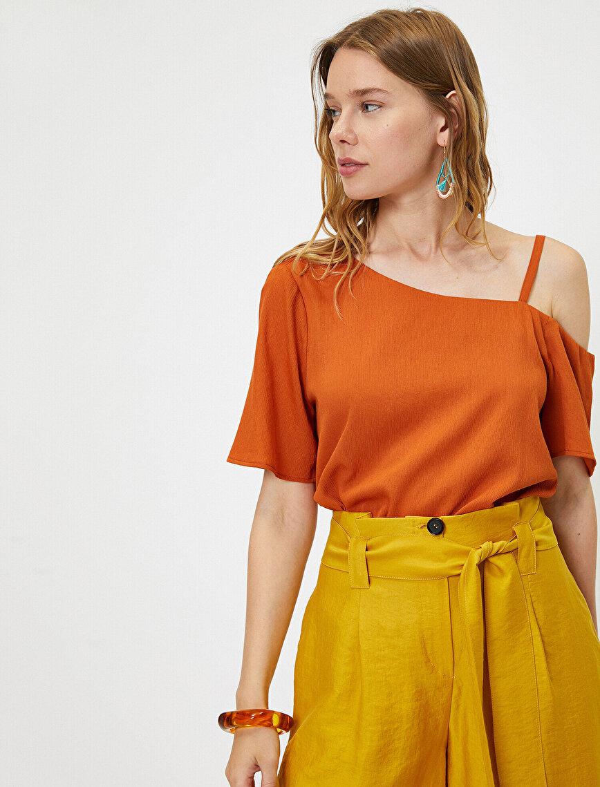Omuz Detaylı Bluz