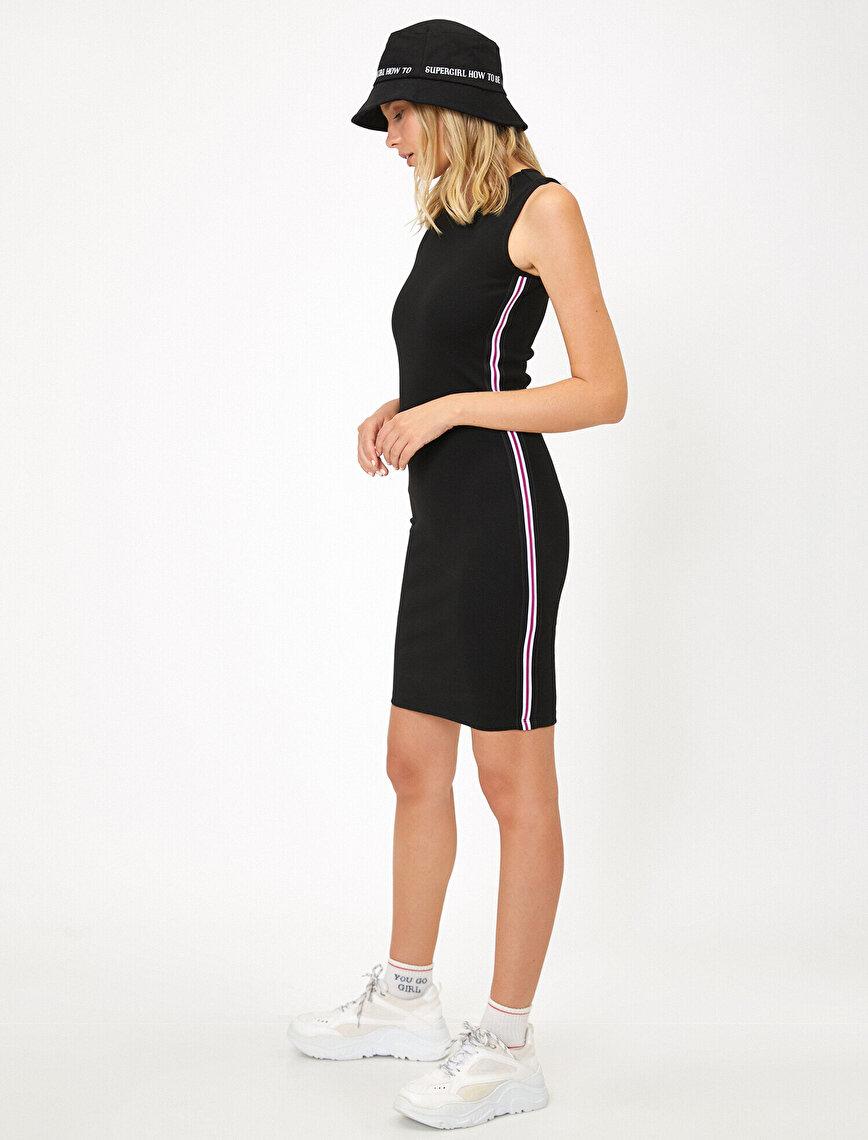 Şerit Detaylı Elbise