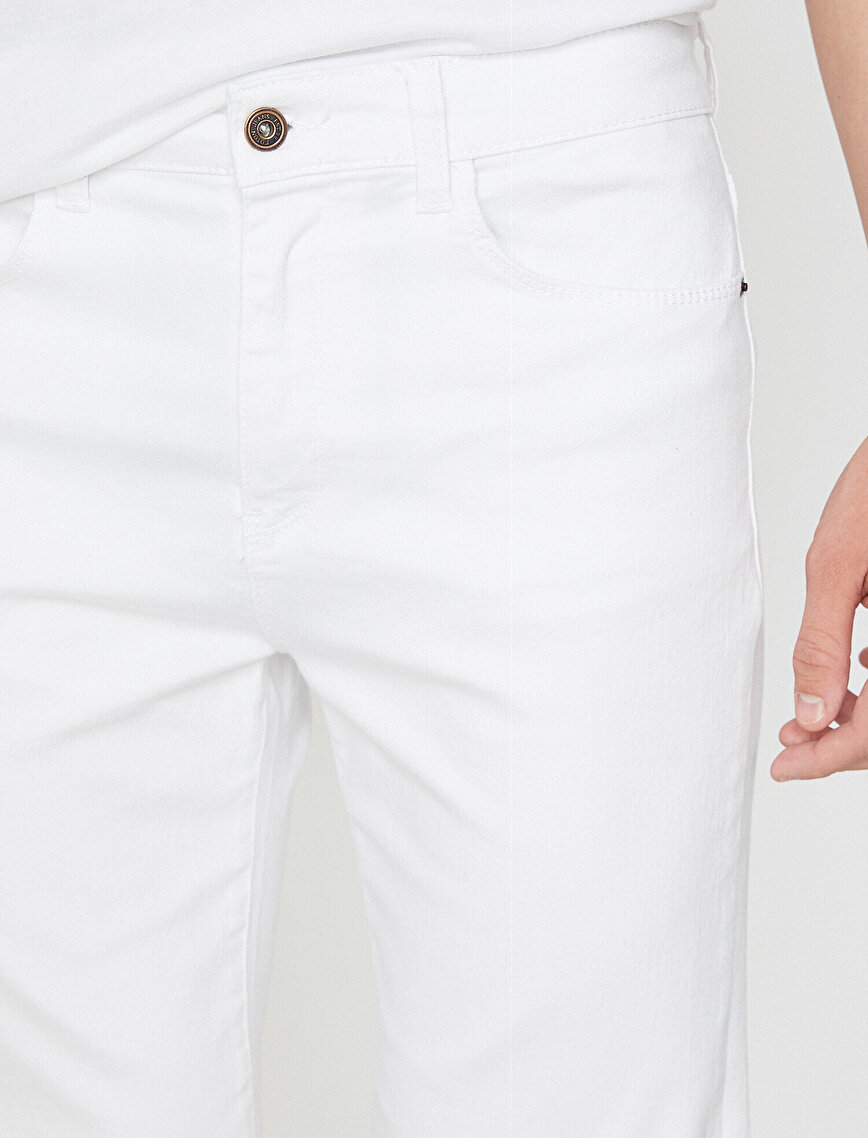 Pocket Detailed Jean Short