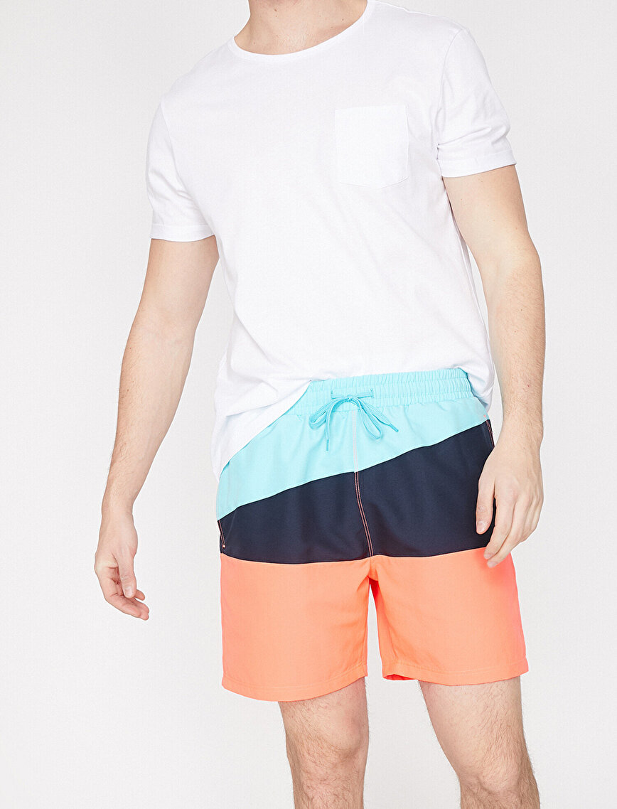 Renk Bloklu Deniz Şortu